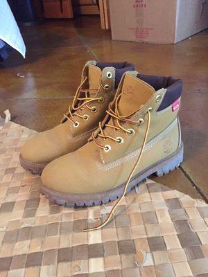 Timberland boots size size 4 1/2 boys for Sale in Waimea, HI