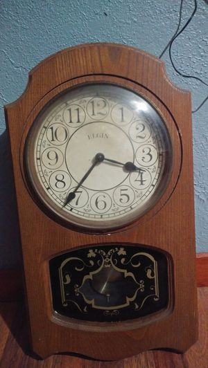 Vintage Elgin wall clock for Sale in Orange, TX