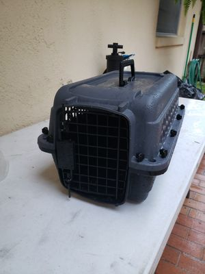 Small dog or cat Kennel for Sale in Longwood, FL
