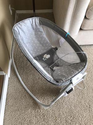 Baby bassinet swing for Sale in Everett, WA