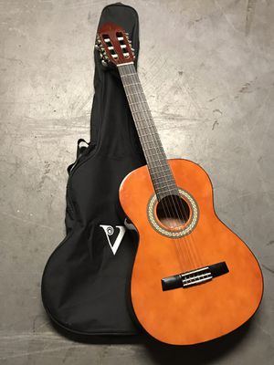 Valencia 3/4 size acoustic classical guitar nylon strings for Sale in Woodland Hills, CA