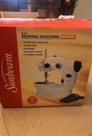 Mini sewing machine SB08k white for Sale in Hialeah, FL