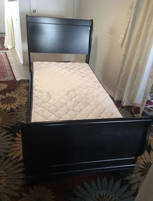 Twin Bed Set for Sale in Irvine, CA