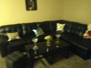 Simmons leather sectional for Sale in Miami, FL
