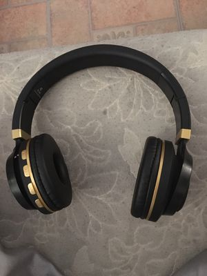 Bluetooth headphones for Sale in Reading, PA
