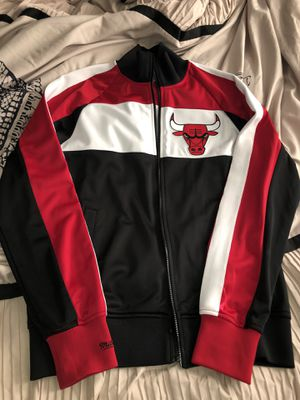 Mitchell & Ness Bulls Jacket for Sale in Toms River, NJ