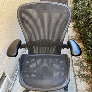 Herman Miller Aeron Office Chair Size C for Sale in Cerritos, CA