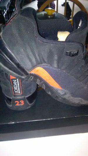 Jordan 12 max orange, size 11 for Sale in Detroit, MI