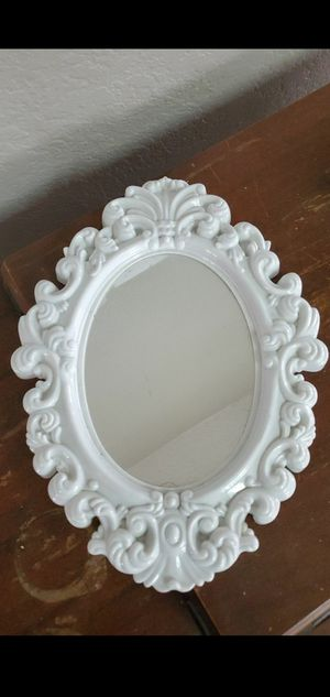 Free mirror PENDING PICK UP for Sale in Moreno Valley, CA