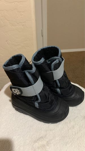 Toddler Snow boots for Sale in Laveen Village, AZ