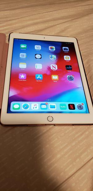 iPad 32gb (6th gen) for Sale in Hialeah, FL