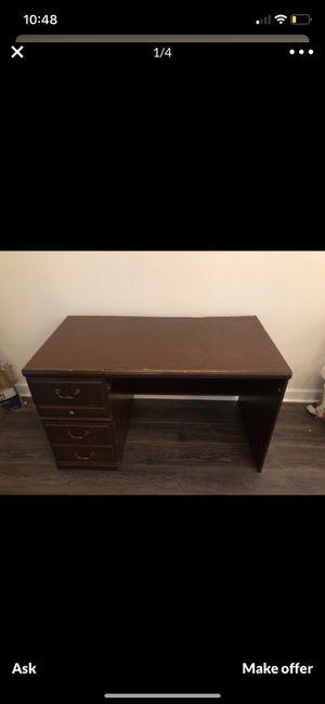 Office desk nice condition! for Sale in Richmond, VA