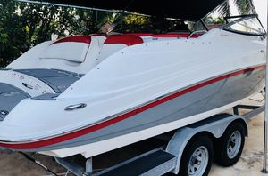 Boat - Yamaha jet boat - MINT CONDITION / CUSTOMIZED 232 limited Edition for Sale in Miami, FL