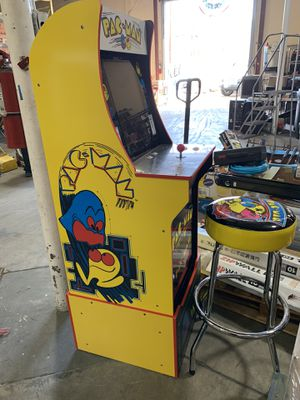 PAC Man Arcade Game with Stool!!! Auction Item for Sale in El Cajon, CA