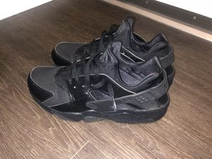 Black Nike huaraches for Sale in Des Moines, WA