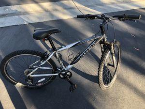 Trek 4300 Alpha Mountain Bike for Sale in Fountain Valley, CA
