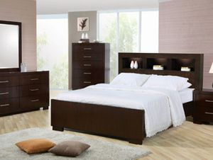 Jessica queen platform bed (no mattress) for Sale in San Leandro, CA