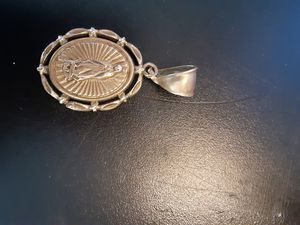 ANTIQUE 18 K GOLD CHARM FOR NECKLACE ABOUT THE SIZE OF A QUARTER. for Sale in Riverside, CA