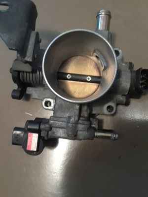 Toyota Corolla Toyota Matrix throttle body for Sale in Philadelphia, PA