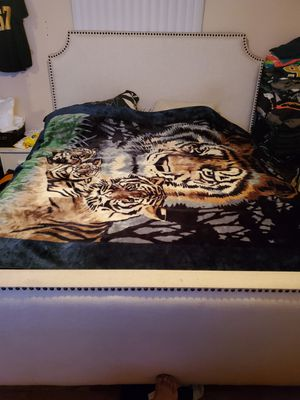 King size bed for Sale in Norwalk, CA