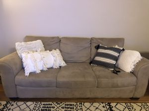 Couch (82 inches long) for Sale in Alexandria, VA