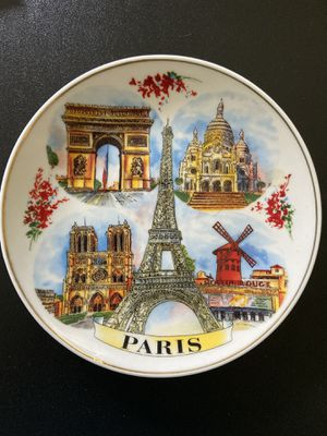 Souvenirs from Paris, London, and Singapore for Sale in Sunrise, FL