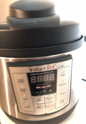 Instant pot mini 3 quart brand new for trade for Sale in Fresno, CA