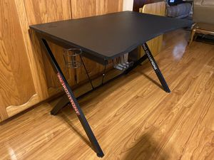 "Mister Ironstone Black Gaming Desk 30"" x 45"" x 29"" for Sale in Turlock, CA"