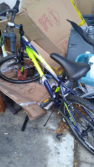 Huffy mountain bike new only been stored never used for Sale in Compton, CA