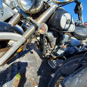 YAMAHA ROAD STAR 1700 cc 2005 PROJECT OR PARTS GOOD ENGINE AND TRANSMISION FOR OTHER PROJECT AS IS $ 900 COMPLET BIKE NO TITLE for Sale in Miami, FL