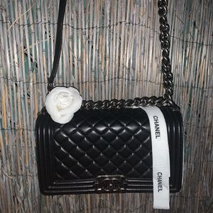 Chanel Quilted Lambskin for Sale in Los Angeles, CA