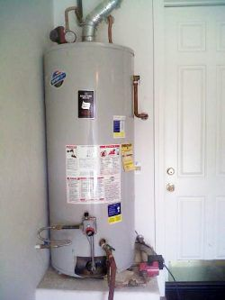 75 Gallon water Heater - Working, Good Condition for Sale in Hayward, CA