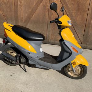 2 Stroke 50cc Scooter for Sale in Anaheim, CA