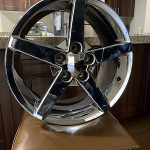 Rim, great condition. 18x8.5Jx56 JUST HAVE ONE for Sale in Scottsdale, AZ