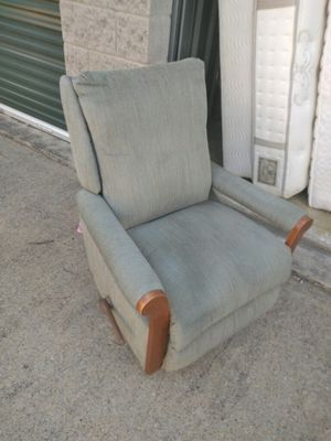Recliner chair for Sale in Nashville, TN