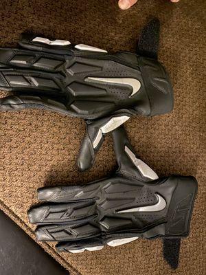 Nike Adult D-Tack 6.0 Lineman Gloves for Sale in Loma Linda, CA