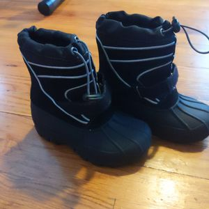 Boy Snow boots Size 10 for Sale in Newark, NJ