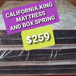 CALIFORNIA KING MATTRESS AND BOX SPRING for Sale in Fresno, CA