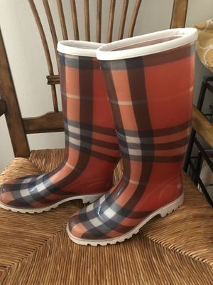Burberry size 9 rain boot for Sale in Rolling Meadows, IL