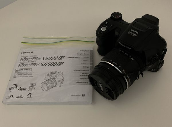 Fujifilm FinePix S Series S6000fd 6.3MP Digital Camera