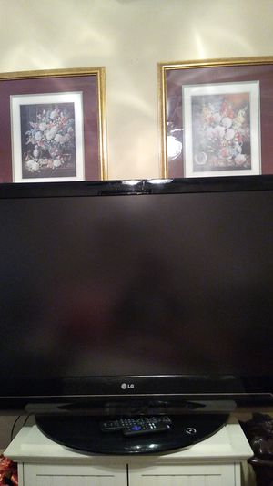 TV... 50 inch ...LG....VERY GOOD for Sale in Portland, OR