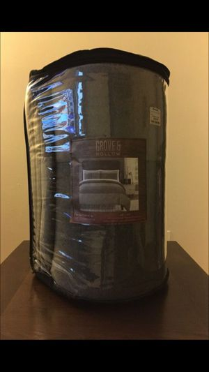 Twin/Twin XL Comforter for Sale in Baltimore, MD