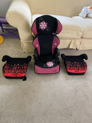 2 booster car seat and 1 car seat for Sale in Palm Springs, FL