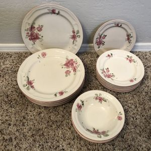 Gorgeous Gibson China Roseland Collection Dinnerware Dish Set for Sale in Chandler, AZ