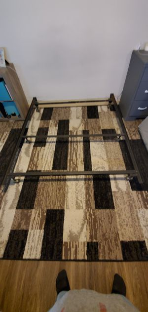 Queen size metal bed frame for Sale in Madison, WI
