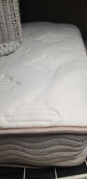 Free twin double top pillow matress for Sale in Puyallup, WA