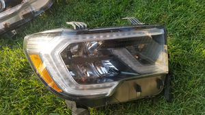 2019 Toyota sequoia right led oem headlight for Sale in Pasco, WA