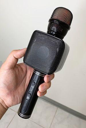 New $20 Wireless Bluetooh Karaoke Microphone w/ Speaker Rechargable Portable Singing Handheld Mic for Sale in Whittier, CA