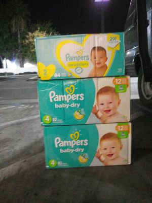 Size 2 & 4 pampers for Sale in Stockton, CA