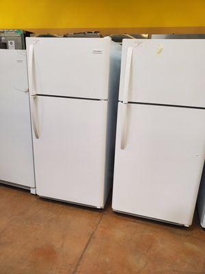 Frigidaire Top Freezer Refrigerator for Sale in Rosemead, CA